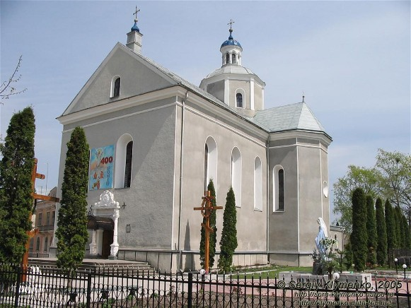 Image -- Zolochiv: Church of the Resurrection (1604).