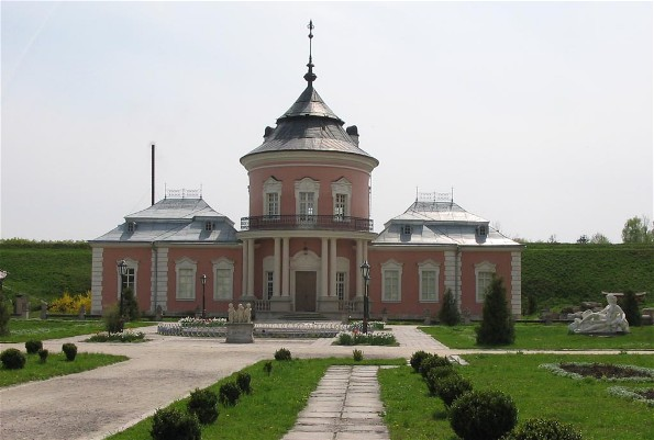 Image -- Zolochiv castle (16th century; rebuilt in 1634-6): inner courtyard with the Chinese palace.