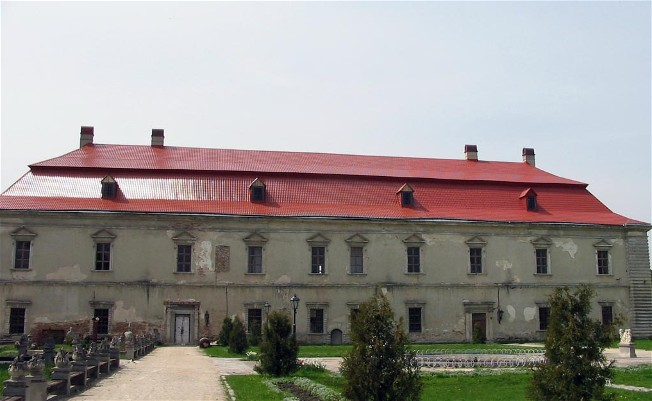 Image - Zolochiv castle (16th century; rebuilt in 1634-6): main palace building.